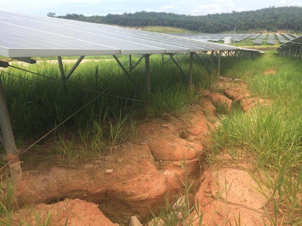 global-road-technology-application-of-dust-control-in-solar-farms